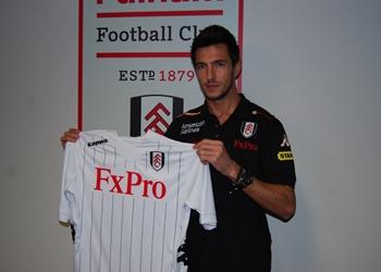 Fulham Sign Manolev